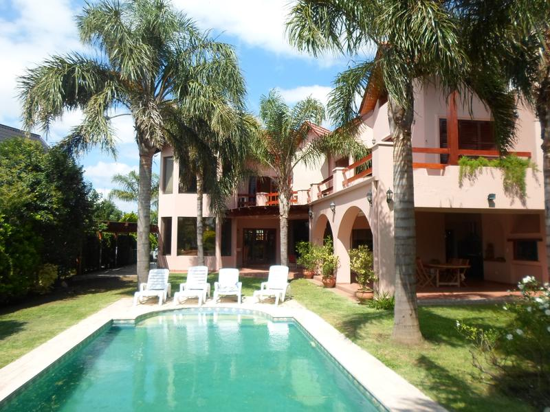 Foto Casa en Venta en  Jockey Club,  Cordoba  Jockey Club