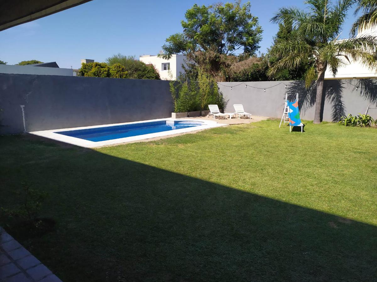 Foto Casa en Venta en  Jardin Claret,  Cordoba  Hermosa Casa en Jardín Claret - Zona Norte - 4 dormitorios