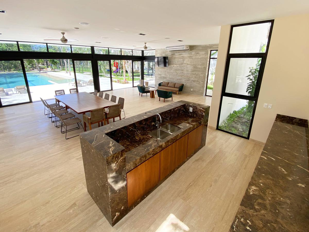 Solidaridad House for Sale scene image 27