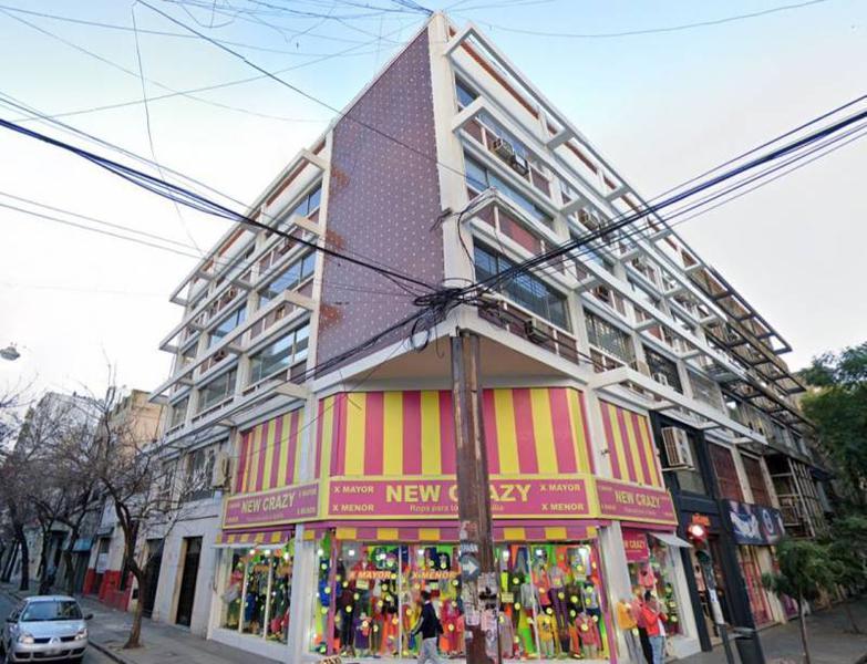 Foto Oficina en Venta en  Centro,  Rosario  Oficina Reciclada Lista para Utilizar Zona Shopping del Siglo
