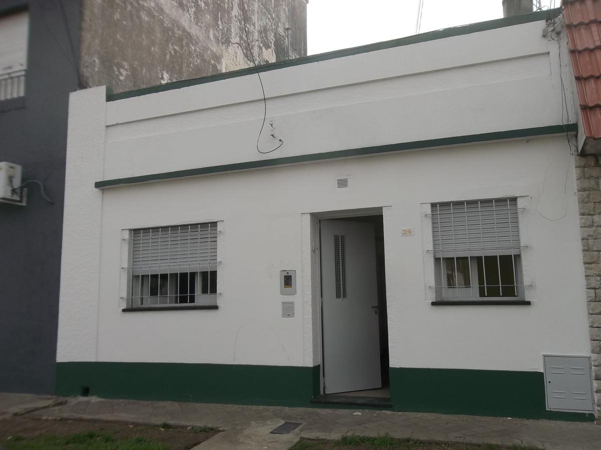 Foto Casa en Alquiler en  Parque Casado,  Rosario  Garay 2186