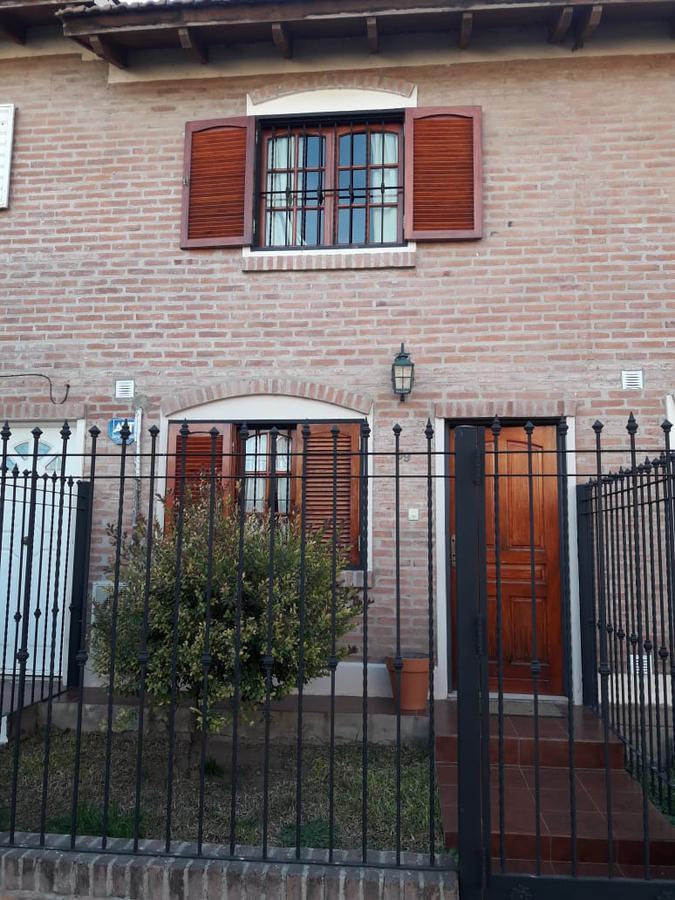 Foto Casa en Venta en  Las Palmas,  Cordoba  Av. Santa Ana al 4000