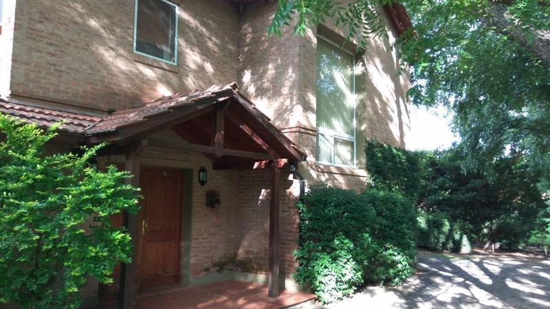 Foto Casa en Venta en  Funes ,  Santa Fe  Kentucky
