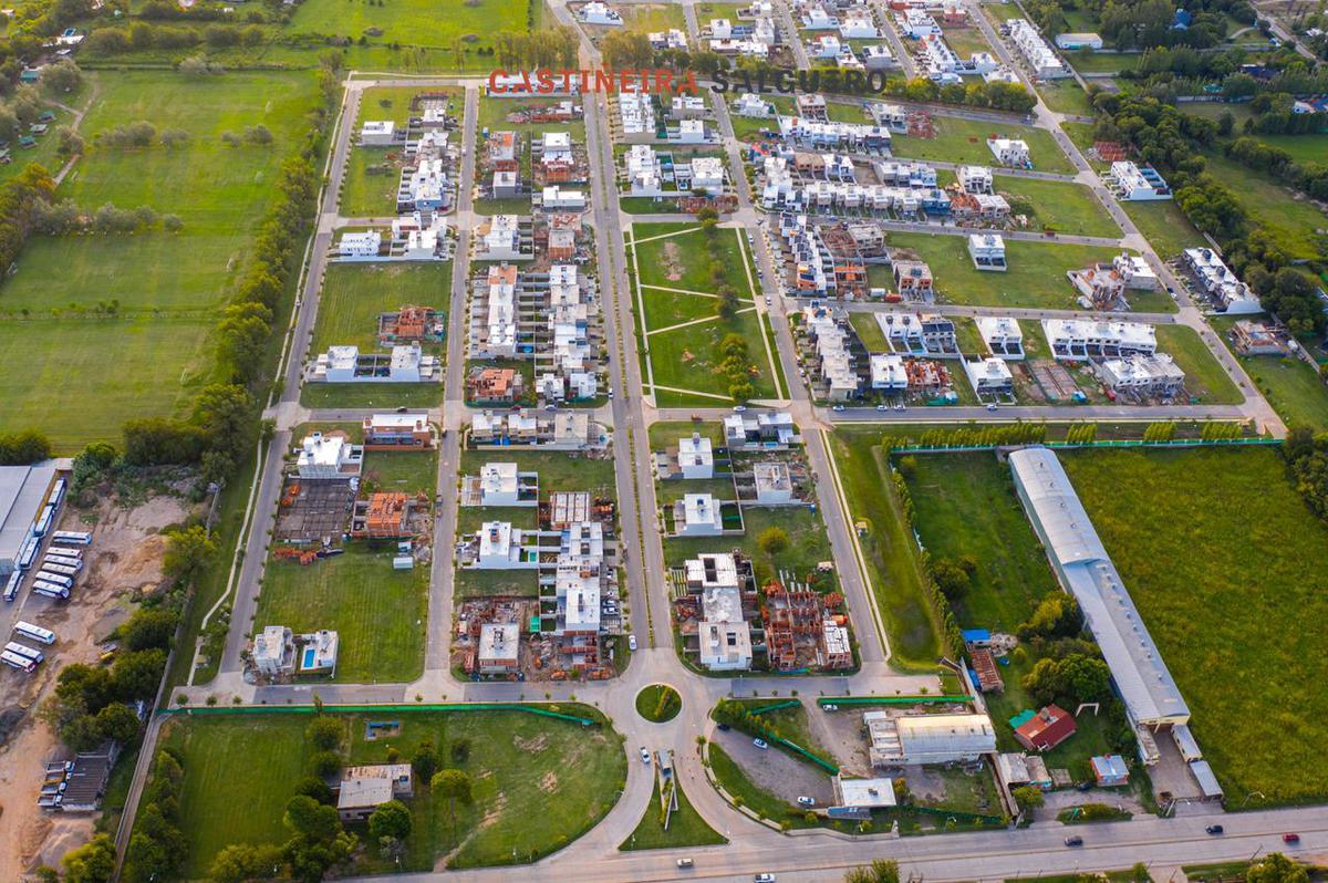 Foto Casa en Venta en  Green Ville 2,  Cordoba Capital  Greenville 2 - L M