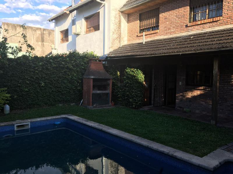 Foto Casa en Venta en  Martinez,  San Isidro  ARAMBURU al 700