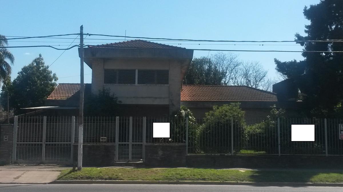Foto Casa en Venta en  San Miguel ,  G.B.A. Zona Norte  Av. Balbin al 2100