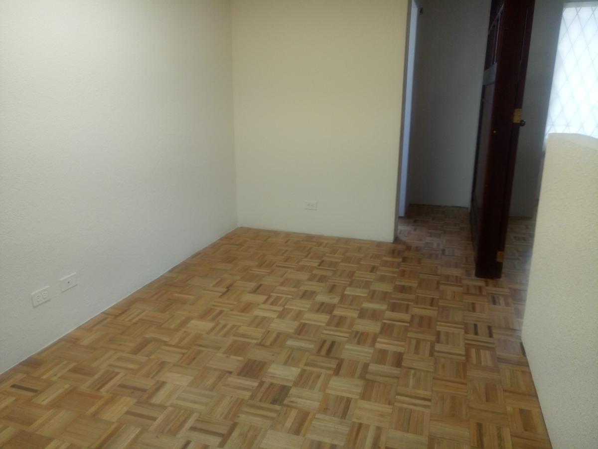Foto Oficina en Alquiler en  Norte de Quito,  Quito  Oficina de Arriendo 65m2 $400 - Sector Jipijapa
