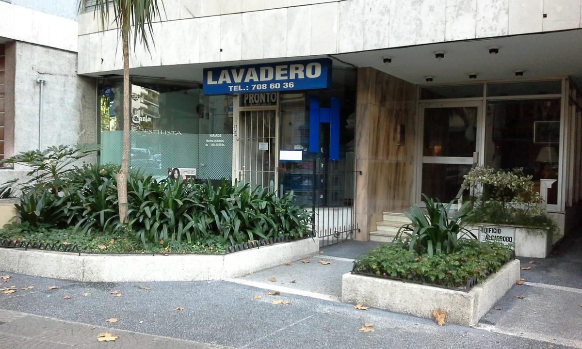 Foto Local en Venta en  Pocitos ,  Montevideo  Pocitos
