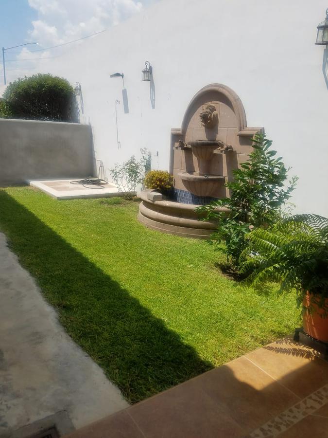 Foto Casa en Venta en  Valle Alto,  Monterrey  Casa en VENTA en  Portón de Valle Alto - Zona Carretera Nacional en esquina.(VSC)   BAJA DE PRECIO OPORTUNIDAD