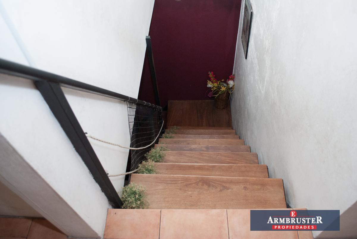 Foto Casa en Venta en  Jose Marmol,  Almirante Brown  Bernardo Yrigoyen 702