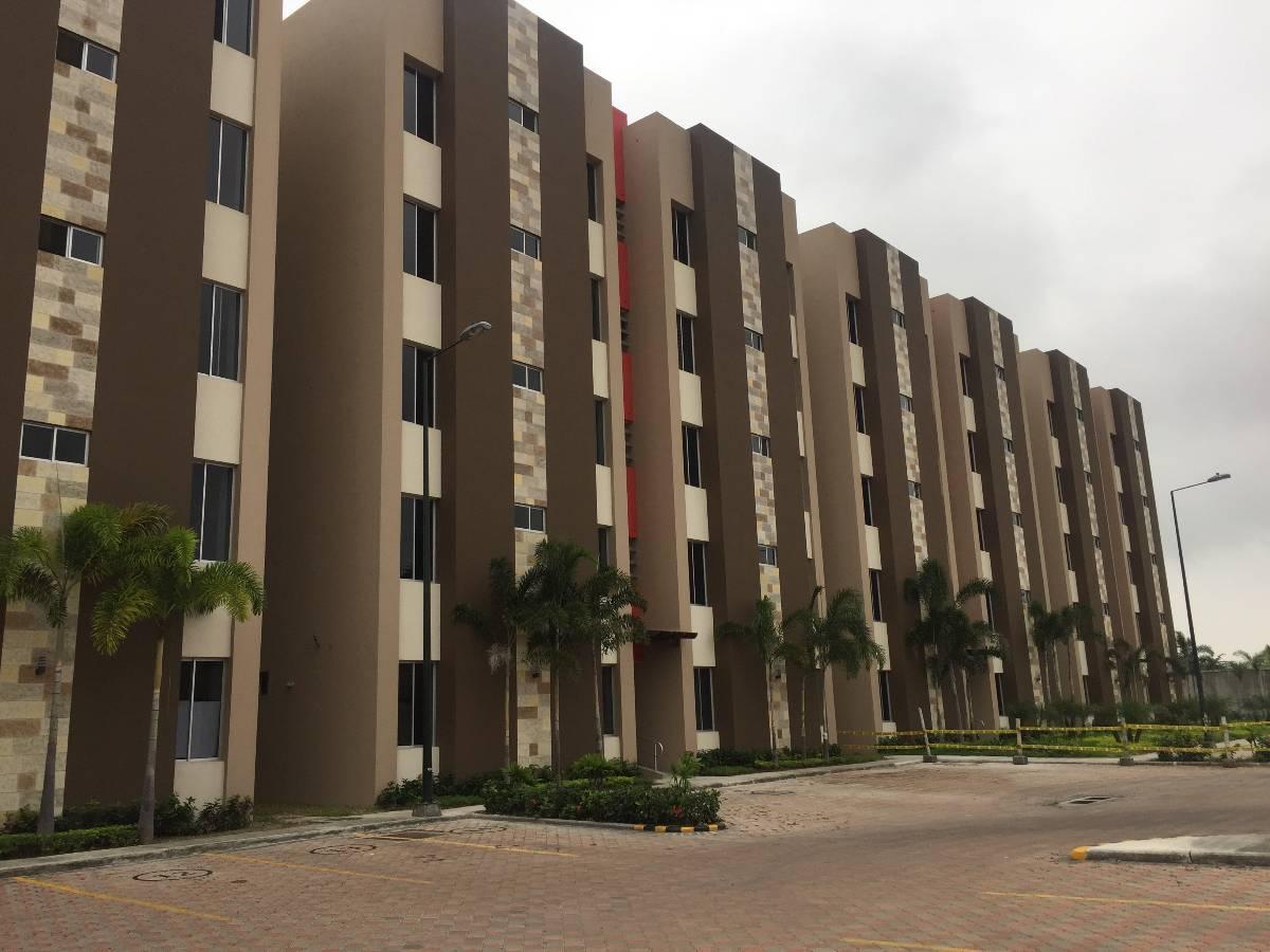 Foto Departamento en Venta en  Norte de Guayaquil,  Guayaquil  La Romareda