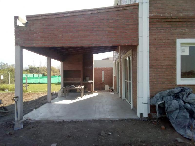 Foto Casa en Venta en  Yerba Buena ,  Tucumán  Country Altos del Rosario
