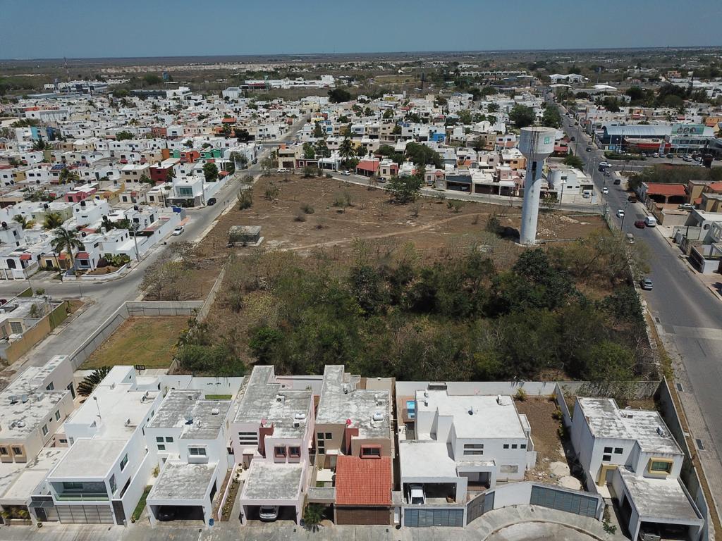 Foto Terreno en Venta en  Fraccionamiento Montebello,  Mérida  Exclusivo Terreno en el Corazón de Altabrisa, Ideal para Complejo Mixto de Departamentos y Locales Comerciales