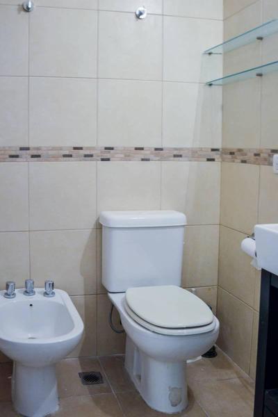 Foto Departamento en Alquiler en  Recoleta ,  Capital Federal  Larrea al 1200