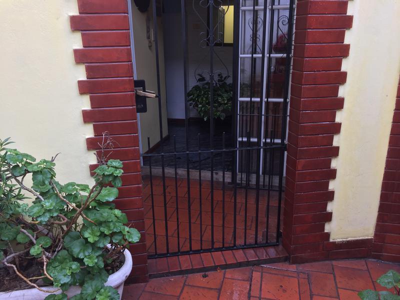 Foto PH en Venta en  Remedios De Escalada,  Lanus  CENTENARIO URUGUAYO 3538 PB 5
