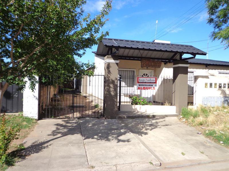 Foto Departamento en Alquiler en  Talleres,  General Pico  Calle 104 e/ 3 y 1