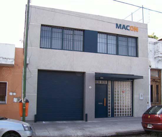 Foto Edificio Comercial en Alquiler en  Pompeya ,  Capital Federal  Cachi al 200