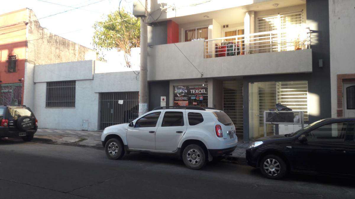 Foto Local en Alquiler en  San Martin,  Cordoba  Martín García al 700