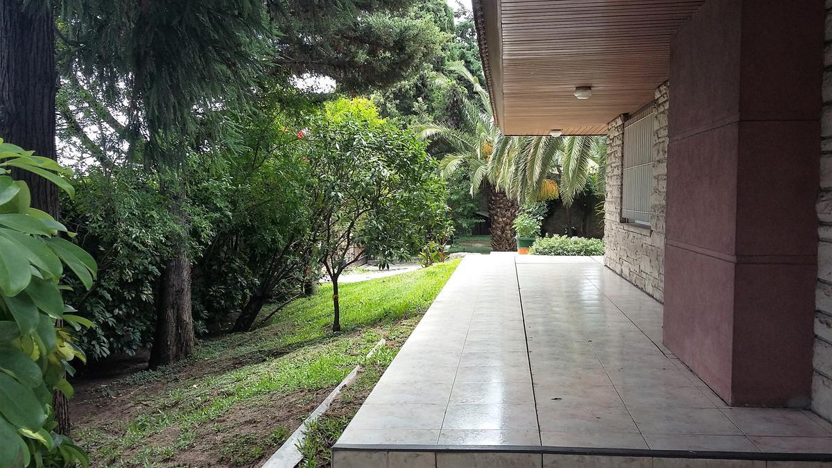 Foto Casa en Venta en  San Isidro ,  G.B.A. Zona Norte  Carlos Tejedor al 1500