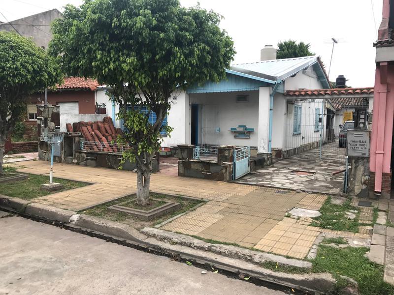 Foto Casa en Venta en  Martinez,  San Isidro  Monseñor Larumbe al 2600