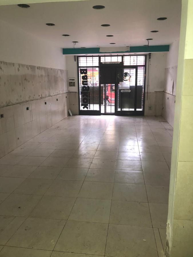 Foto Local en Alquiler en  San Miguel ,  G.B.A. Zona Norte  charlone al 1100