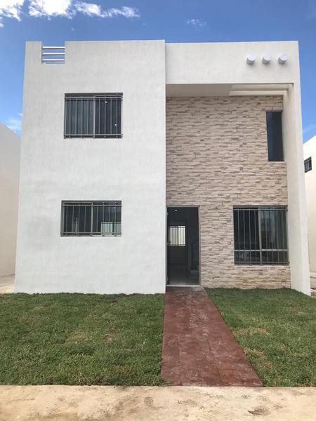 Foto Casa en Renta en  Fraccionamiento Las Américas,  Mérida  Casa De 3 Habitaciones En Fracc. Las Américas