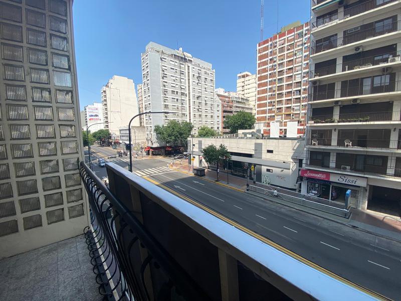 Foto PH en Alquiler en  Flores ,  Capital Federal  Amplísimo PH Rivadavia y Carabobo, Flores comercial. PH 2amb,  2do piso por escalera