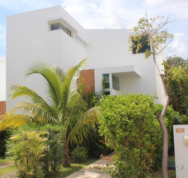 Foto Casa en Venta en  Fraccionamiento Playacar Fase II,  Solidaridad  Casa en Condominio en Playacar