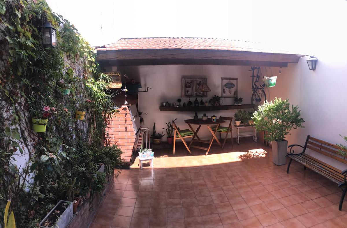Foto Casa en Venta en  Villa del Parque ,  Capital Federal  TEODORO VILLARDEBO  al 2000