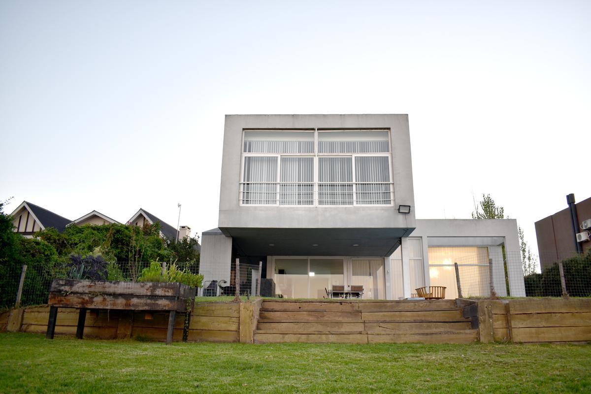 Foto Casa en Venta en  San Agustin,  Villanueva  Aristóbulo del Valle al 4500