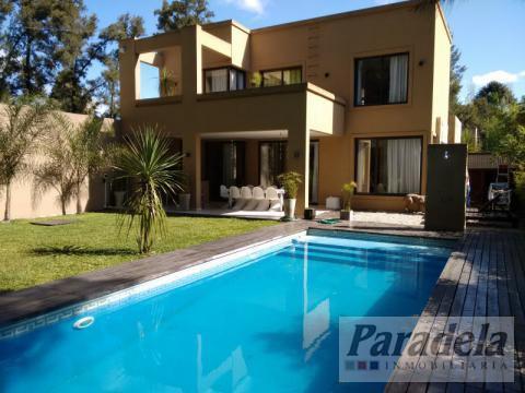 Foto Casa en Venta en  Barrio Parque Leloir,  Ituzaingo  La Greviela