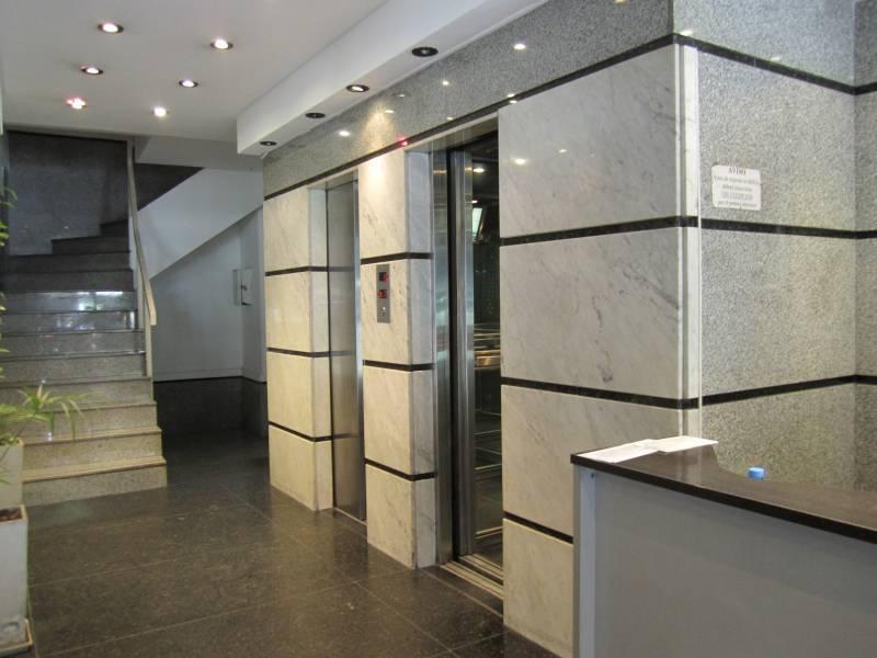 Foto Oficina en Alquiler en  Microcentro,  Centro (Capital Federal)  Alem al 600