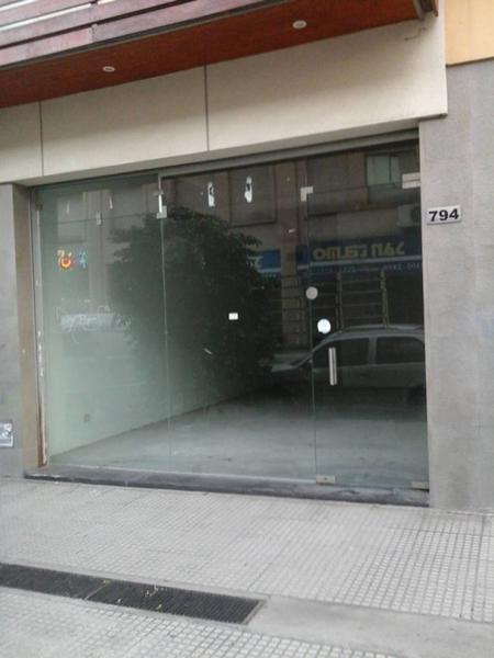 Foto Local en Venta en  San Telmo ,  Capital Federal  Esquina en venta con renta en San Telmo, Estados Unidos  al 700