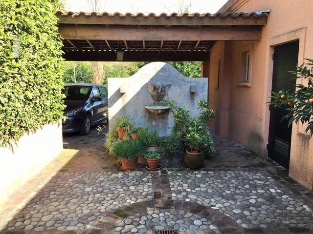 Foto Casa en Venta en  Martindale C.C,  Countries/B.Cerrado (Pilar)  Av. Peron 2375