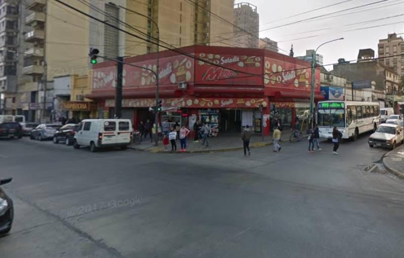 Foto Local en Venta en  Quilmes ,  G.B.A. Zona Sur  Hipolito yrigoyen  al 500
