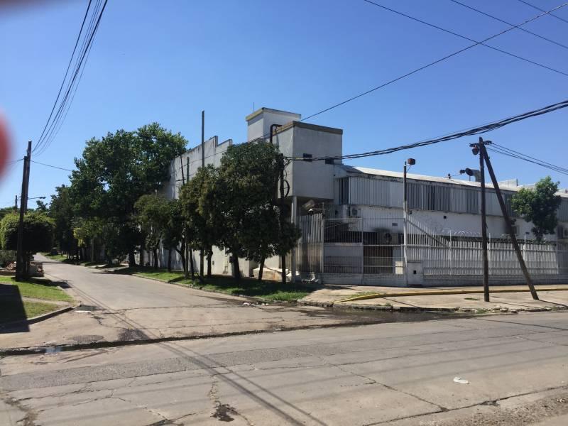 Foto Galpón en Alquiler en  Loma Hermosa,  Tres De Febrero  Av. Churruca al 8700