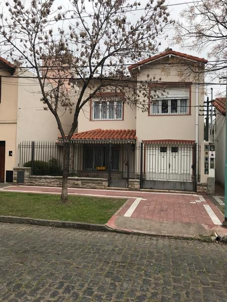 Foto Casa en Venta en  Banfield Oeste,  Banfield  DARRAGUEIRA 738  Alvear y C. Crocce