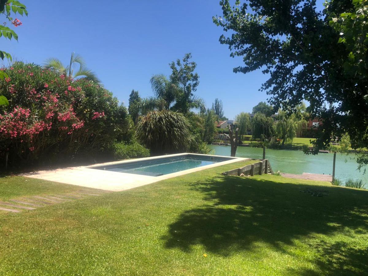 Foto Casa en Venta en  Santa Barbara,  Countries/B.Cerrado (Tigre)  Bancalari 3901~Santa Bárbara~