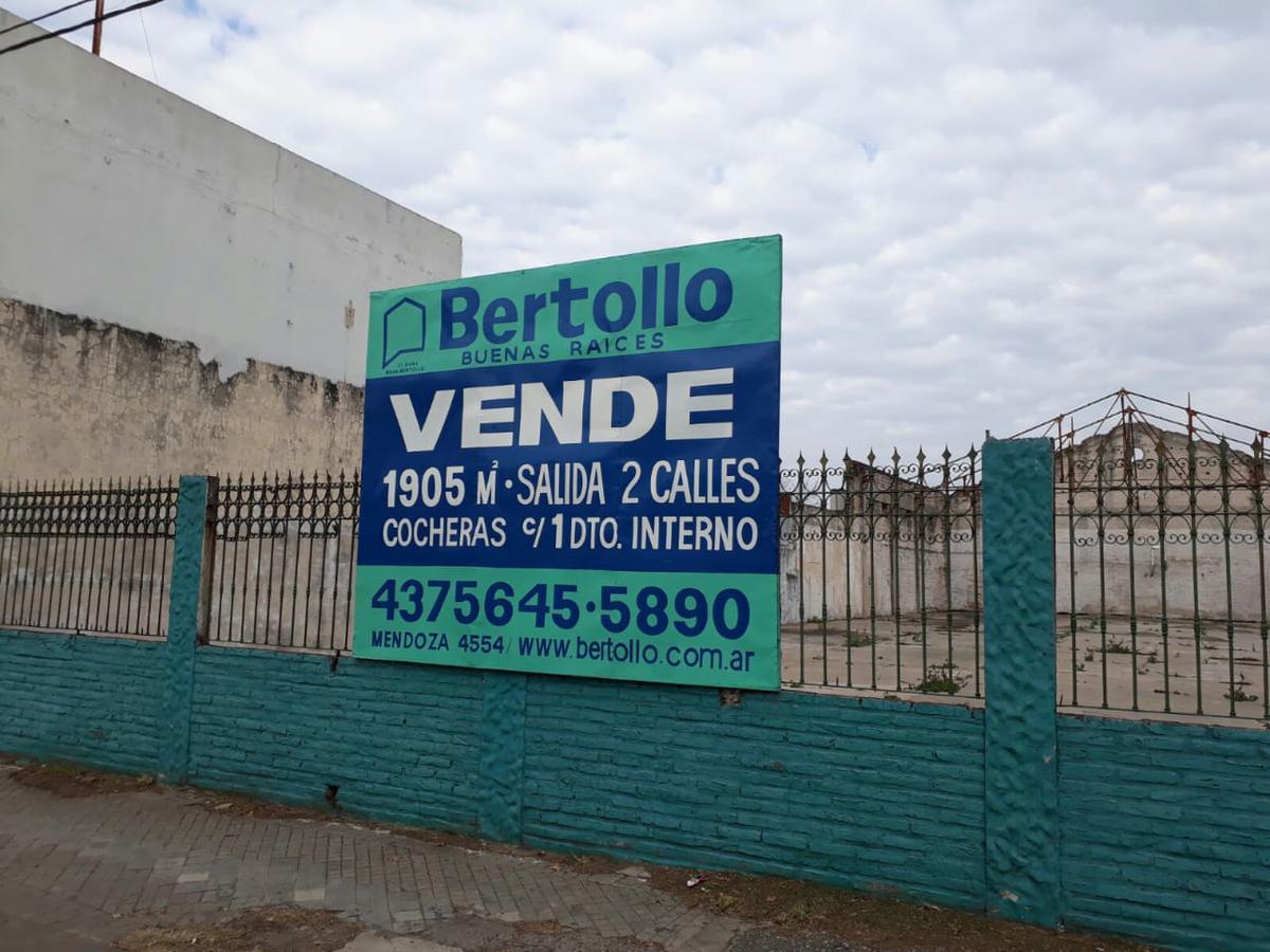 Foto Terreno en Venta en  Belgrano,  Rosario  MENDOZA al 5900