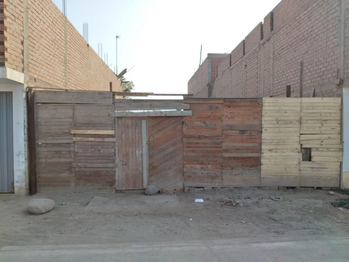 Foto Terreno en Venta en  San Martín de Porres,  Lima  ASOC. VIV. SR DE LOS MILAGROS