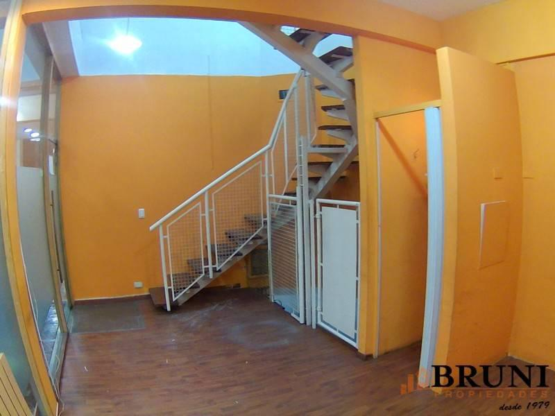 Foto Local en Venta en  Caballito ,  Capital Federal  Avenida Rivadavia al 5000