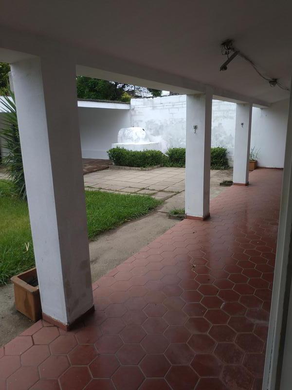 Foto Casa en Venta en  Jardin,  Cordoba  Av. Valparaiso al 3200