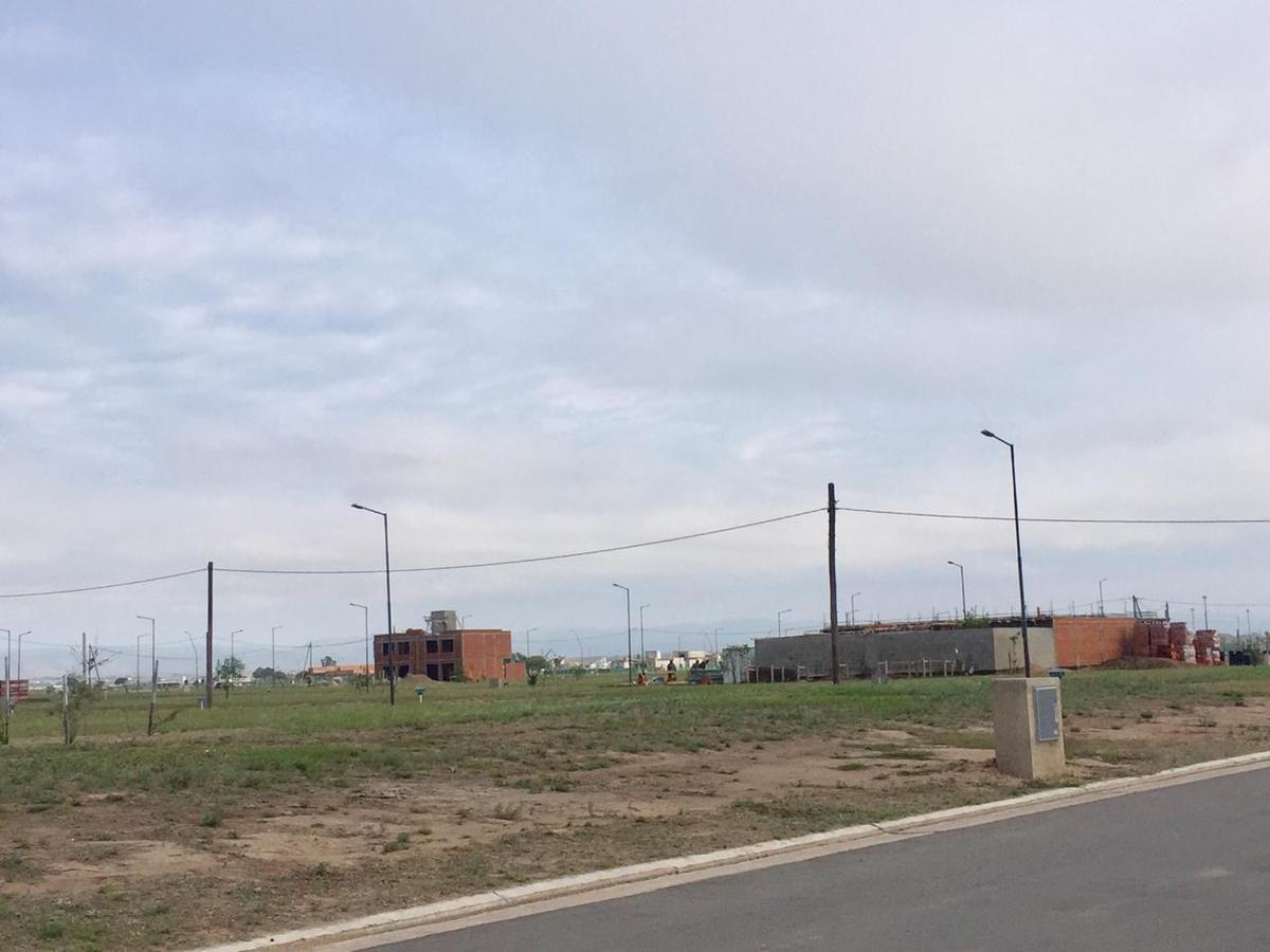 Foto Terreno en Venta en  Manantiales ,  Cordoba Capital  CAMPOS DE MANANTIALES