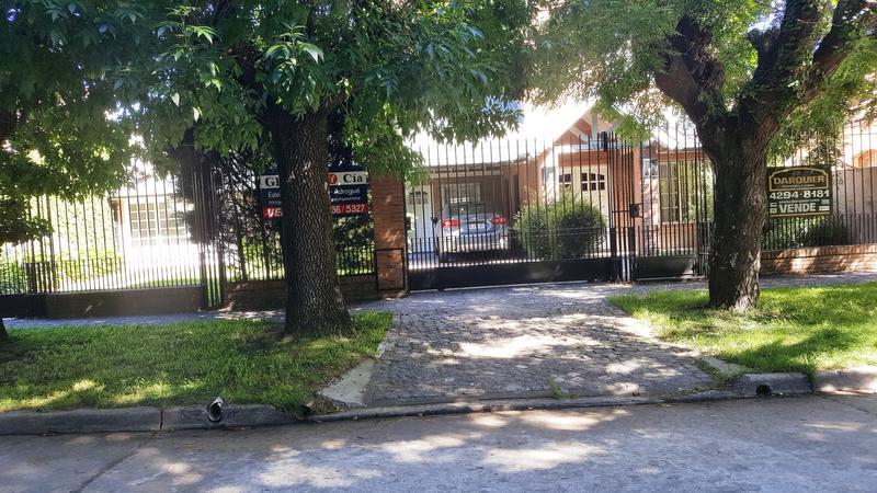 Foto Casa en Venta en  Almirante Brown ,  G.B.A. Zona Sur  30 de septiembre 1350, entre Pje Estrada y Ferrari