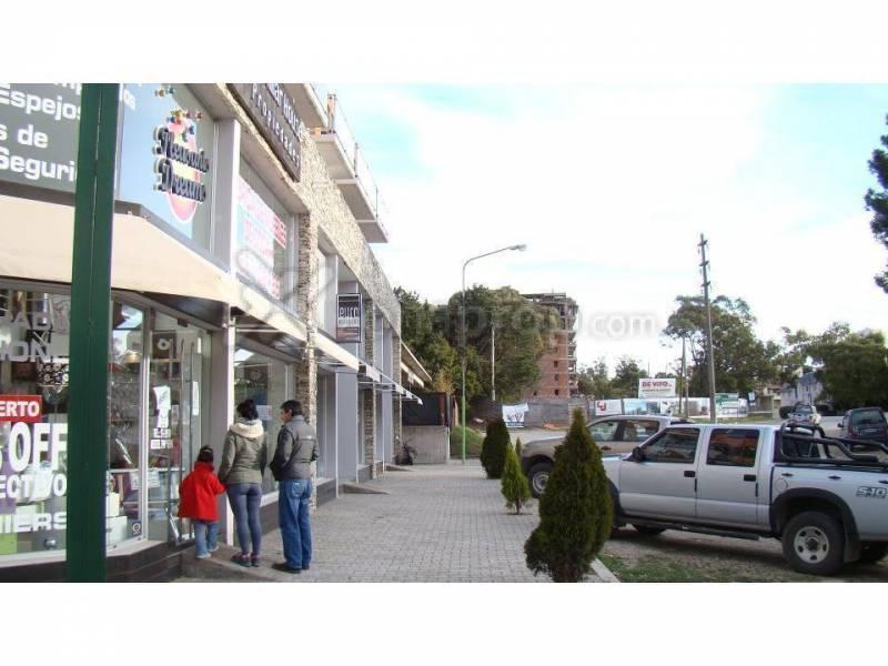 Foto Local en Venta en  Pinamar ,  Interior Buenos Aires  Consitución al 1400