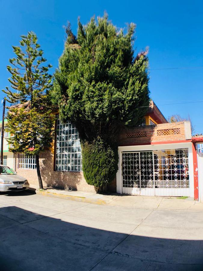 Foto Casa en Venta en  Ocho Cedros,  Toluca  CASA EN VENTA, COLONIA OCHO CEDROS.
