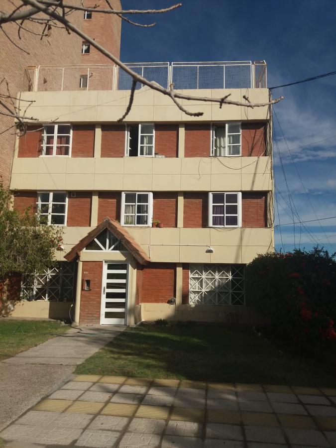 Foto Departamento en Venta   Alquiler en  Capital ,  Neuquen  Leloir al 800