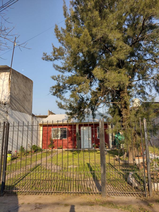 Foto Casa en Venta en  Merlo ,  G.B.A. Zona Oeste  Mercedes al 2700