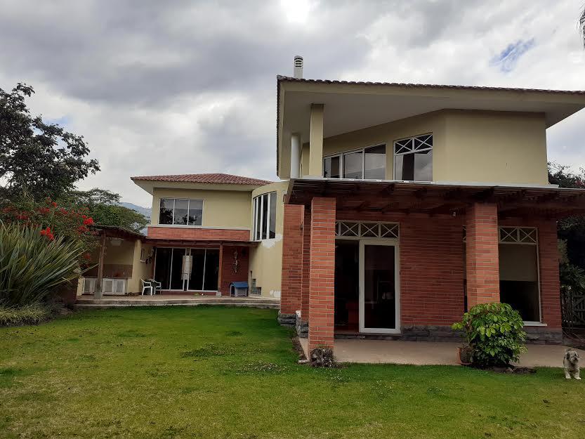 Foto Casa en Venta en  Tumbaco,  Quito  La Viña Tumbaco