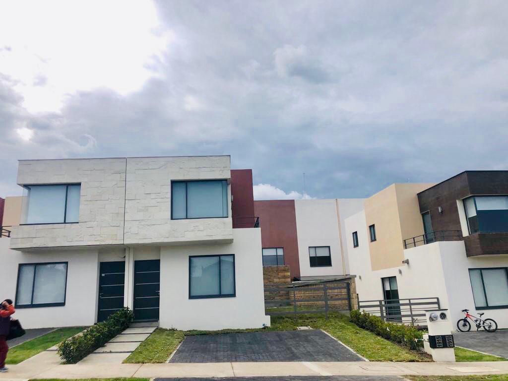 Foto Casa en condominio en Renta en  Villas del Campo,  Calimaya  Bosques de Encinos